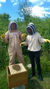 Bee Naturals Beekeeping Students